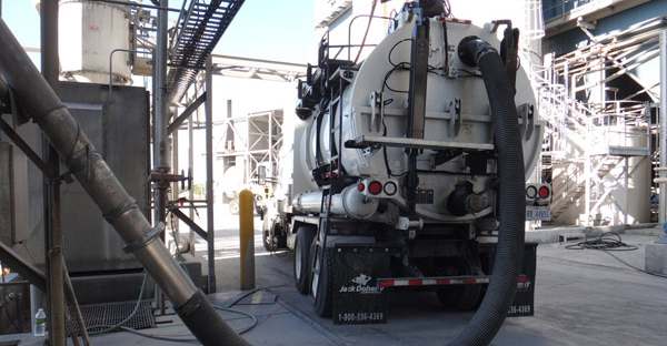 Vacuum truck service silo cleaning